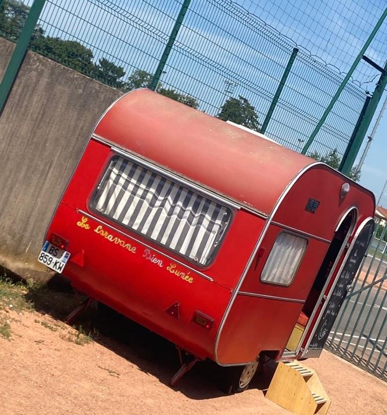 la caravane dans l'école